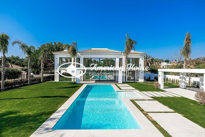Villa de Obra Nueva de Estilo Moderno en Venta, ubicada en Guadalmina Baja, Marbella, Málaga.