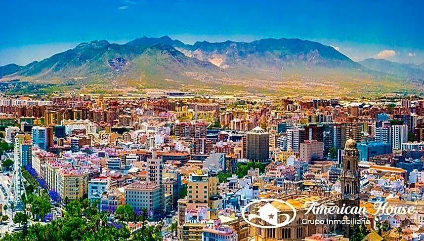 OPORTUNIDAD! Inversión de Edificios para convertirlos en Hotel***** en Málaga Capital, España