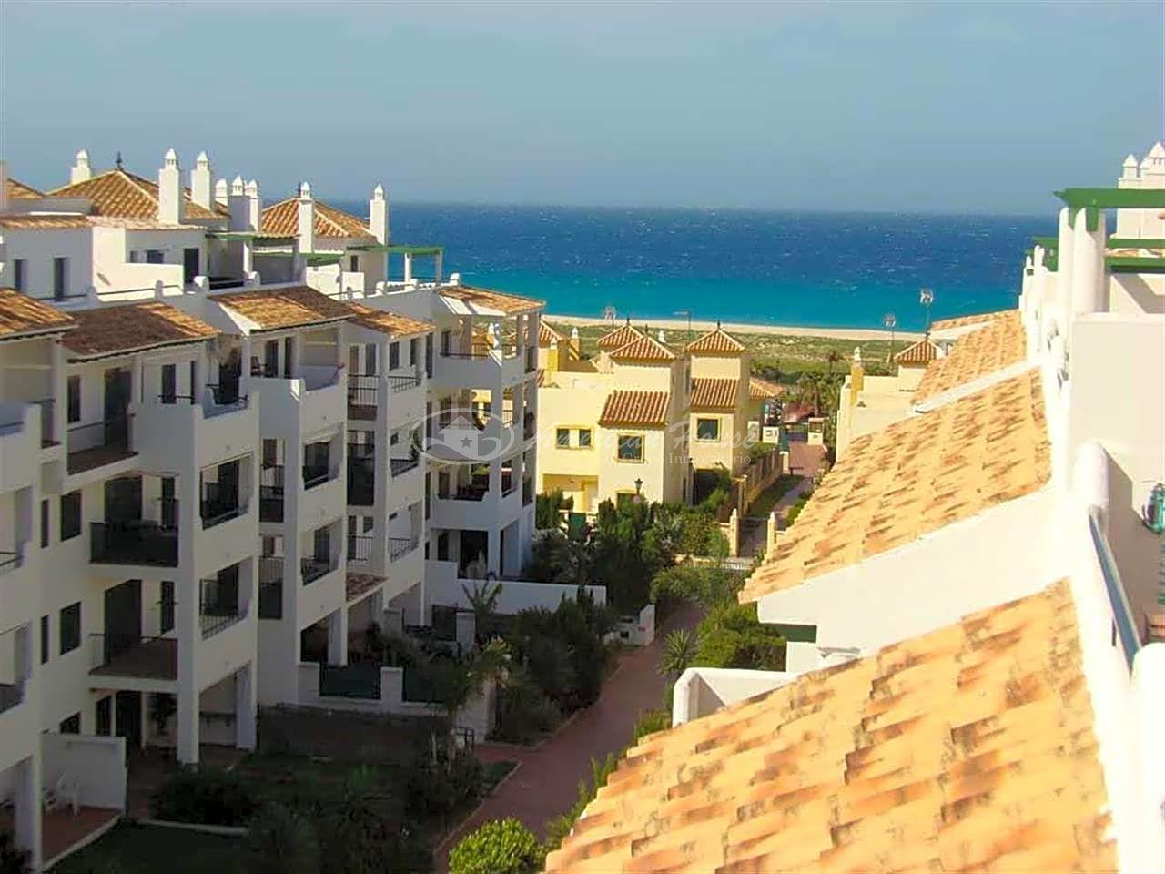 Esplendido Adosado en Venta en primera linea de Playa, Zhara de los Atunes, Cádiz