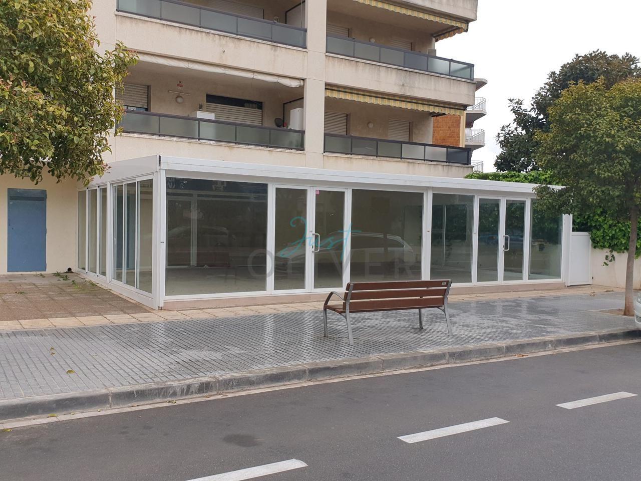 locales-comerciales en platja-de-la-pineda · carrer-d'amadeu-vives-34-43481 85000€