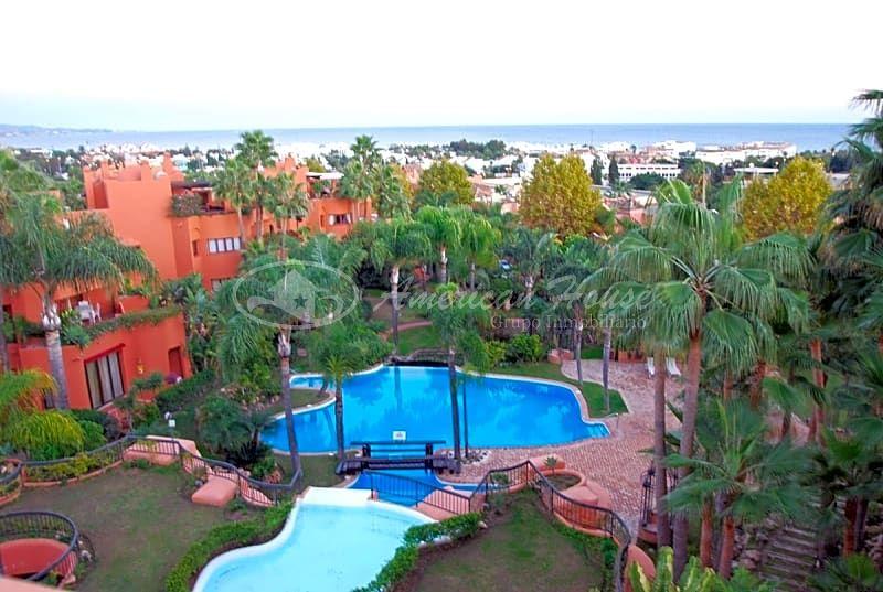 Apartamento de Lujo en Venta en Nueva Andalucía, Marbella, Málaga