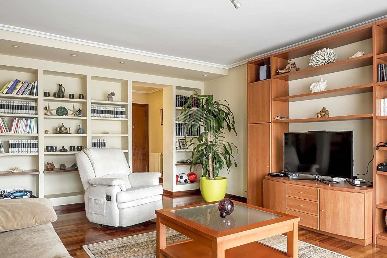 Grupo galo piso en venta en vigo de 135 m2 for Oficina de correos vigo
