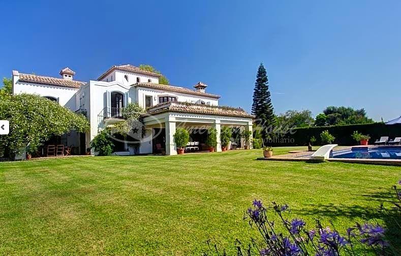 Espectacular Villa de Lujo estilo Andaluz en Venta en la Milla de Oro, Marbella, Málaga
