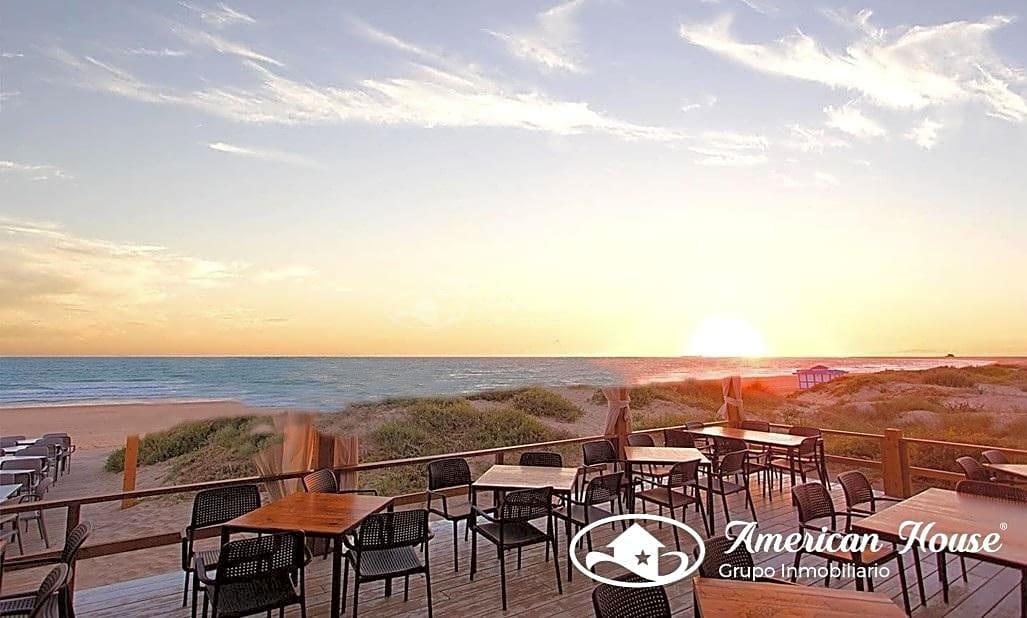 Oportunidad, Hostal de 17 habitaciones en venta en Playa de la Barrosa, Chiclana, Cádiz