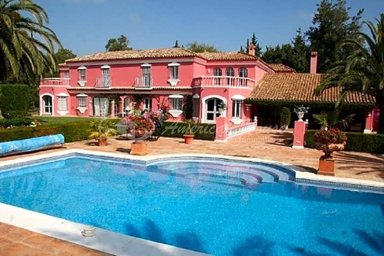 Esplendida Villa en venta en Sotogrande Bajo, San Roque, Cádiz