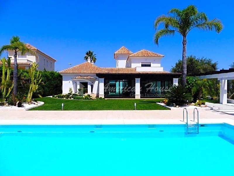 Casa / Chalet en venta en Marbella de 700 m2