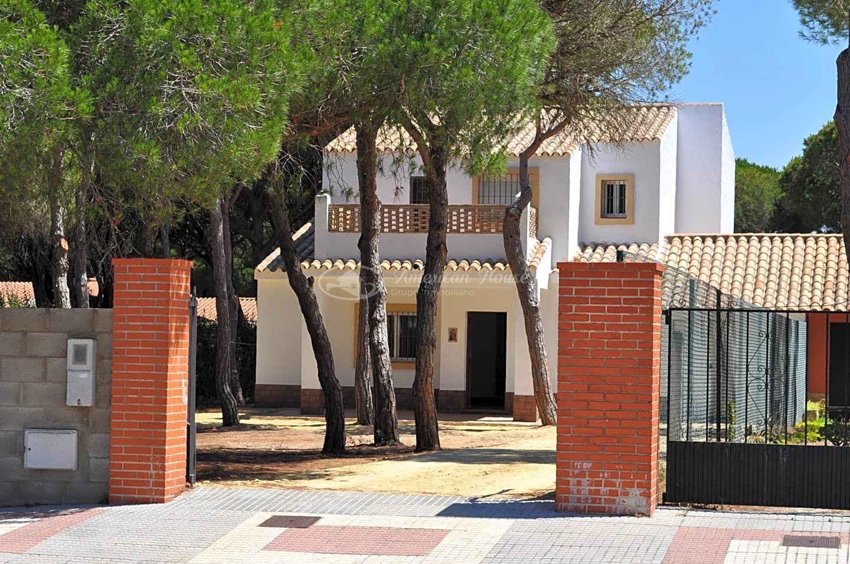 Esplendido Chalet en alquiler en segunda linea de Playa La Barrosa, Chiclana de la Fra. Cádiz