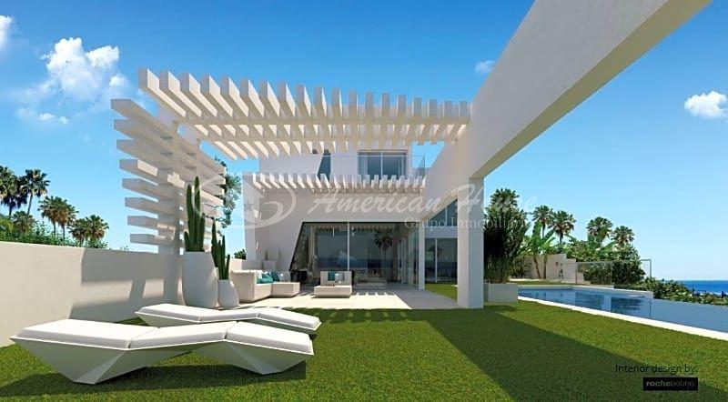 Elegante Villa de Lujo Vanguardista en Venta en Elviria, Marbella, Málaga