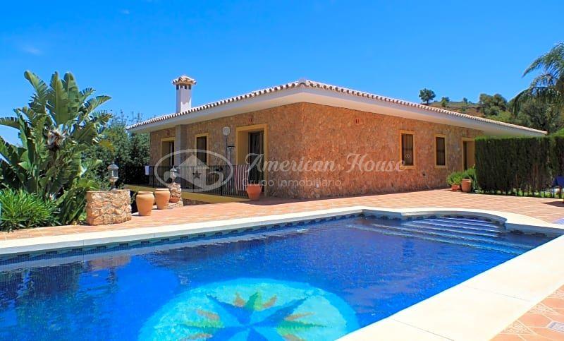 Sensacional Villa en venta construida en primeras calidades entre Marbella y Ojén, Málaga