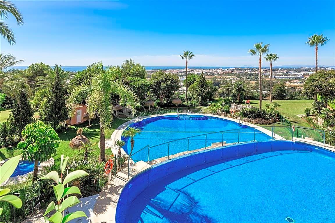 Bonito Apartamento en venta en Magna Marbella, Nueva Andalucía