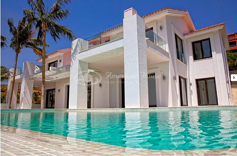 Villa de Lujo con estilo Contemporáneo en venta en la zona de Los Flamingos, Marbella