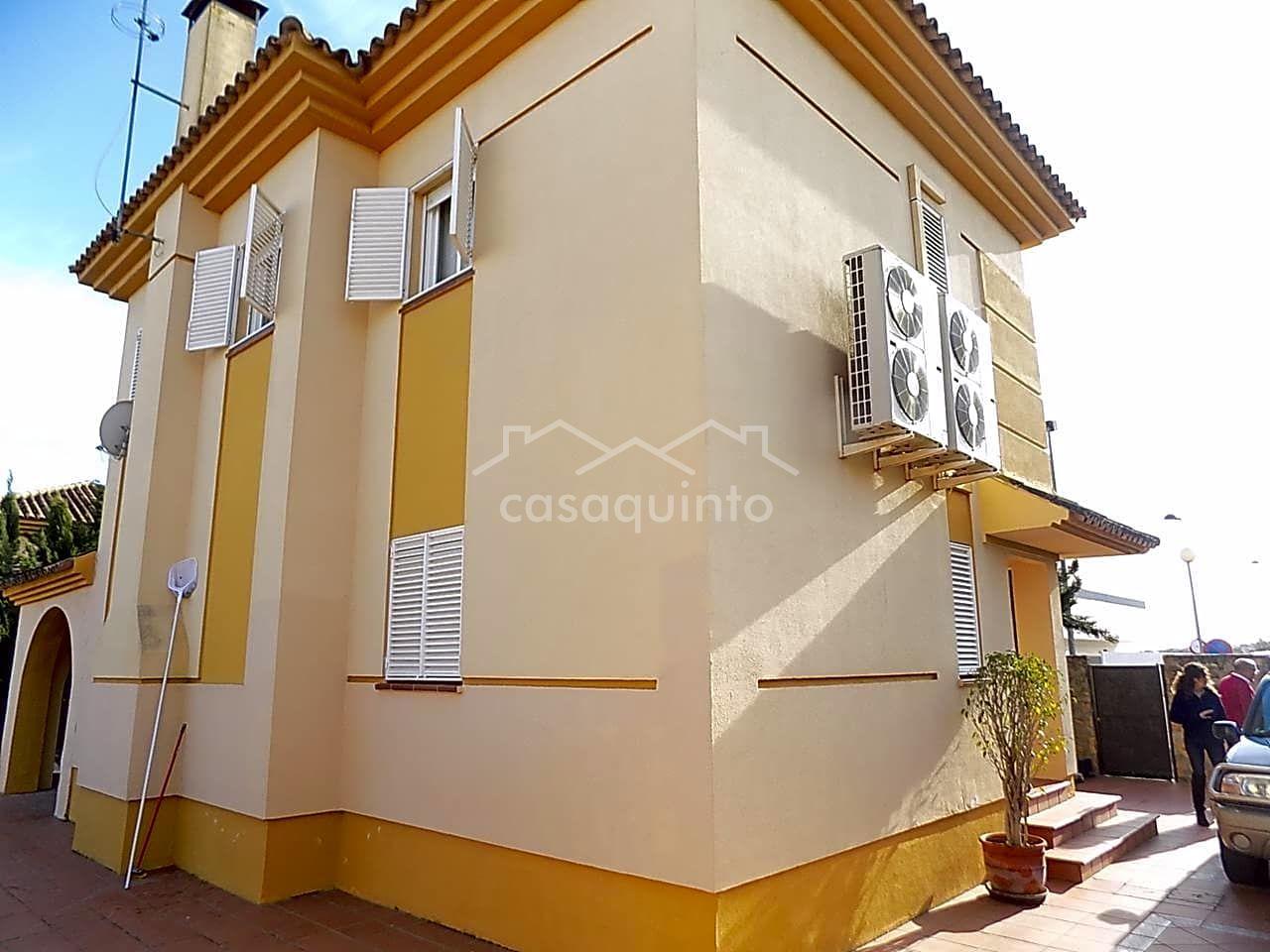 Tu inmobiliaria en montequinto casa chalet en venta en for Inmobiliaria 2 hermanas