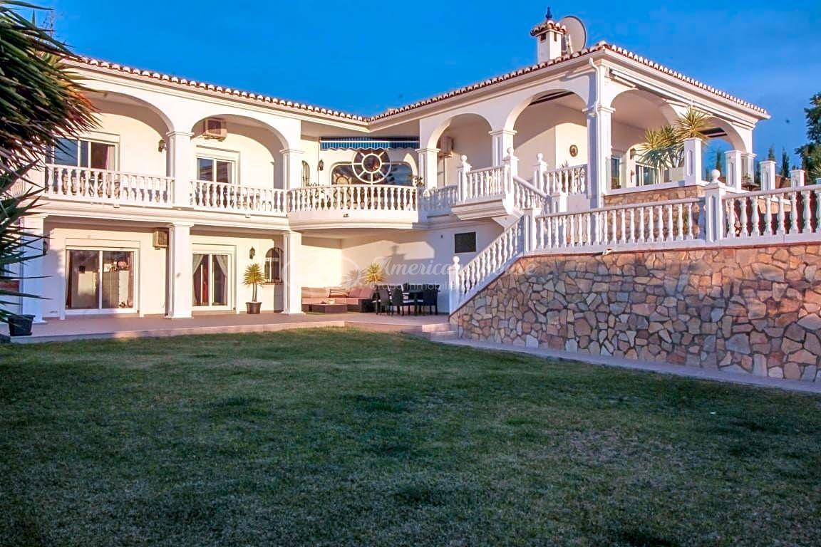 Preciosa Villa de 4 dormitorios en Venta en La Cala de Mijas, Mijas, Málaga