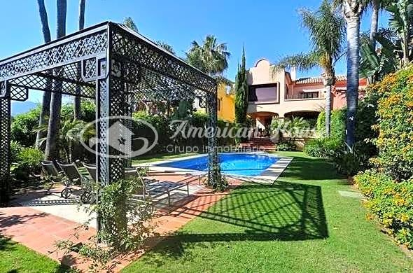 Villa Pareada de lujo en Resort , Puerto Banus, Marbella, Costa del Sol