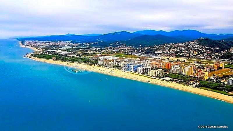 Fantástico Hotel de 4* con mas de 50 habitaciones a 150m del Mar, Alicante, Valencia