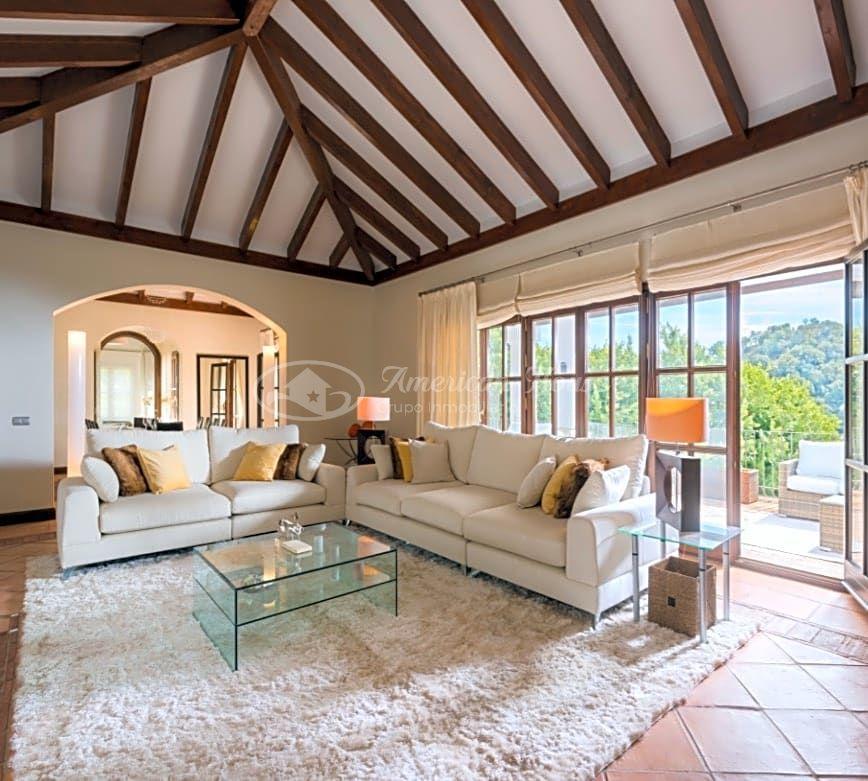 Fabulosa Villa en venta con estilo Provenzal en exclusiva zona de La Zagaleta, Marbella, Málaga