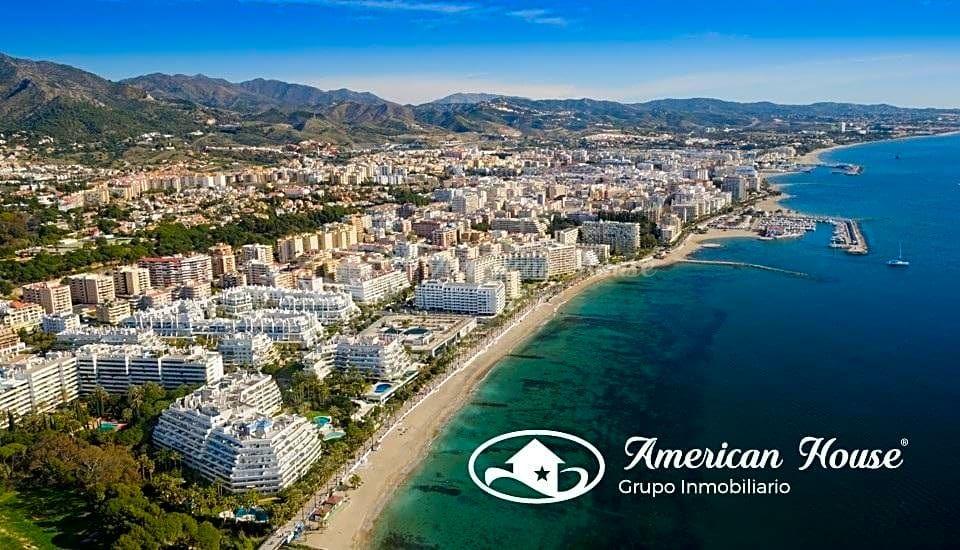 Exclusivo Suelo en venta en 1ª Linea de Playa en la Milla de Oro de Marbella, Málaga