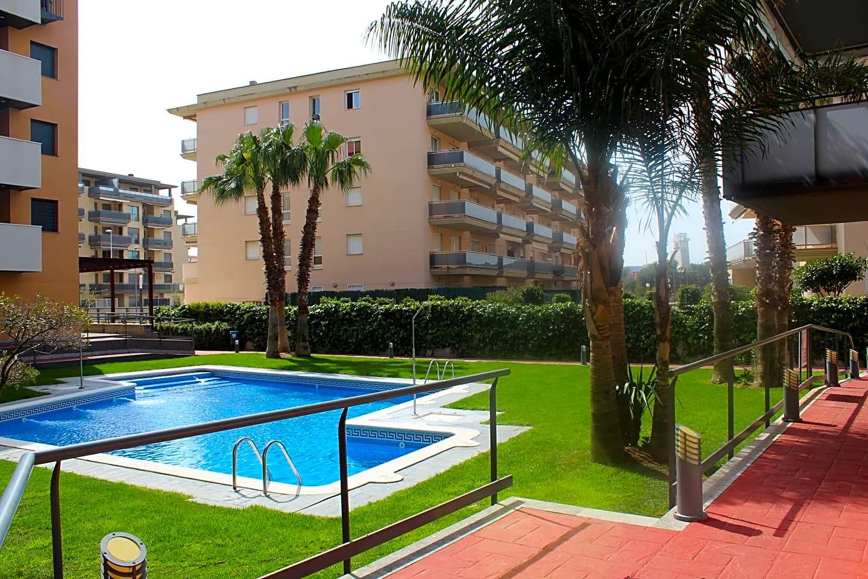 pisos en la-pineda · carrer-amadeu-vives-43481 220000€