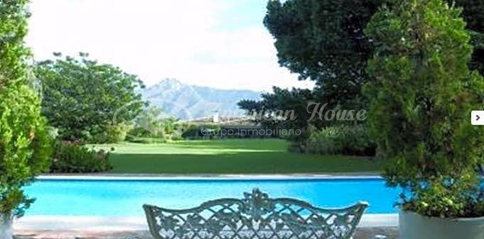 Preciosa Villa de Lujo en venta de estilo Provenzal en plena Milla de Oro, Marbella, Málaga