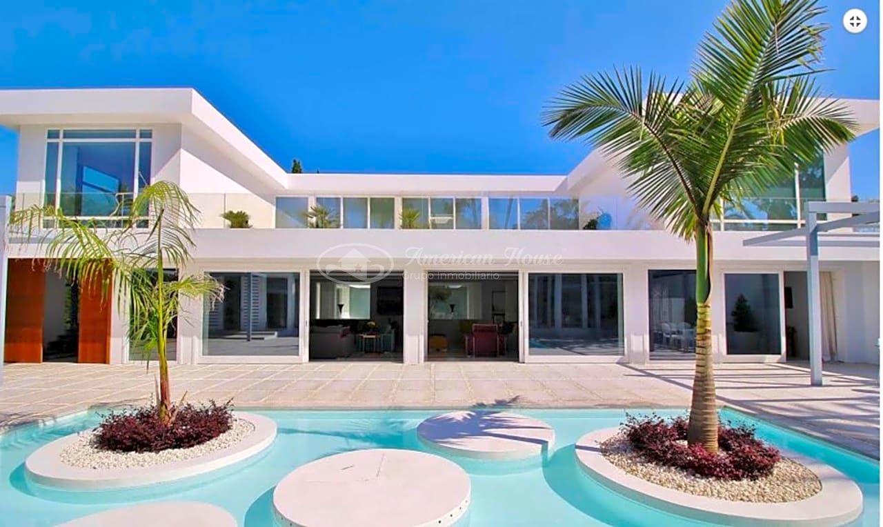 Se vende Villa de diseño Contemporáneo  en Guadalmina Baja, Marbella, Málaga