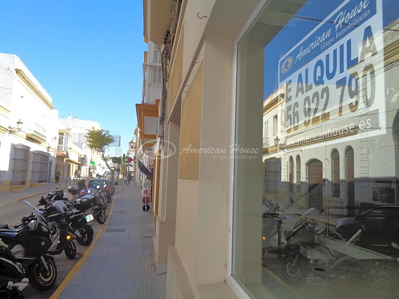Se alquila gran local en pleno centro de Chiclana de la Fra, Cádiz