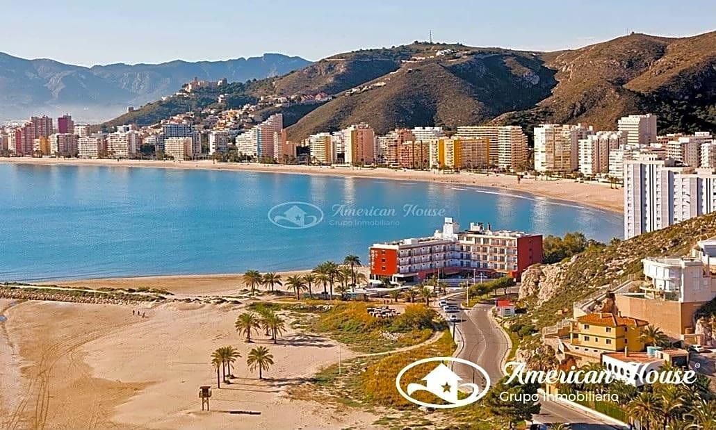 2 HOTELES ***  de mas de 60 habitaciones en Venta en una población Costera de Valencia, España