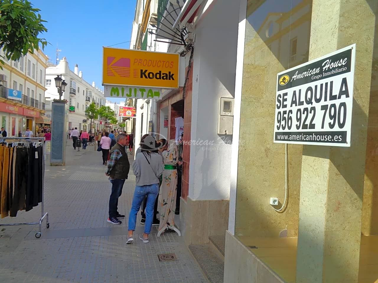 Alquiler de Local en Plena Calle La Plaza, Chiclana de la Fra., Cádiz
