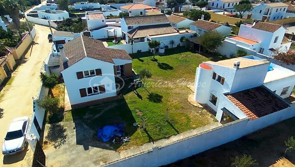 Bohemio Chalet con Apartamento en Venta en Los Caños de Meca, Barbate, Cadiz