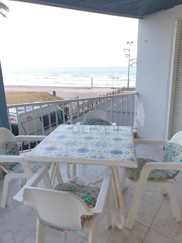 pisos en la-pineda · primera-linea-de-playa 190000€