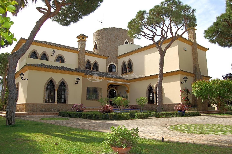 Villa con encanto en la Barrosa, cerca del Mar, Chiclana de la Fra.