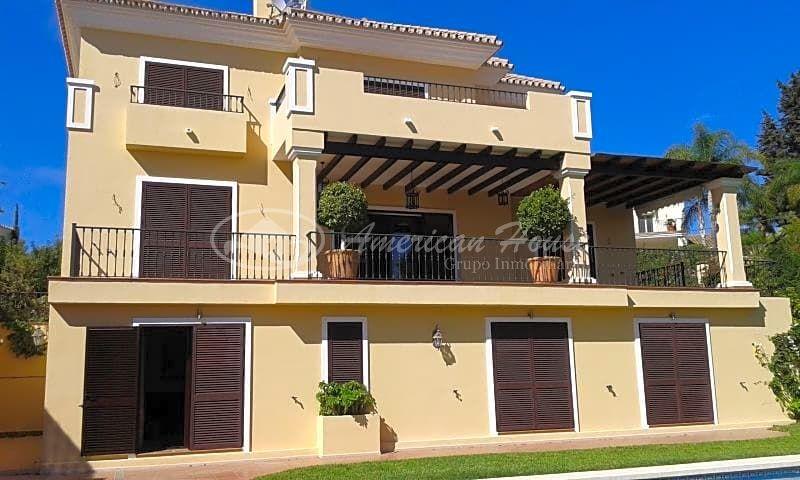 Villa de Lujo en Venta junto a Marbella Golf en El Rosario, Marbella, Málaga