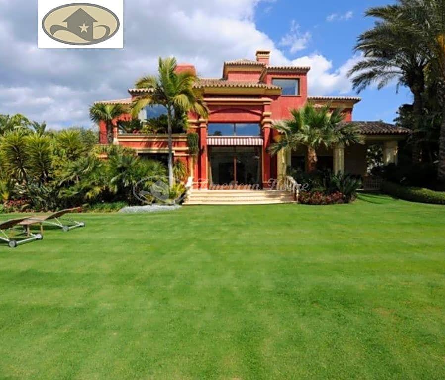 Espectacular Villa en venta en Milla de Oro de Marbella, Málaga